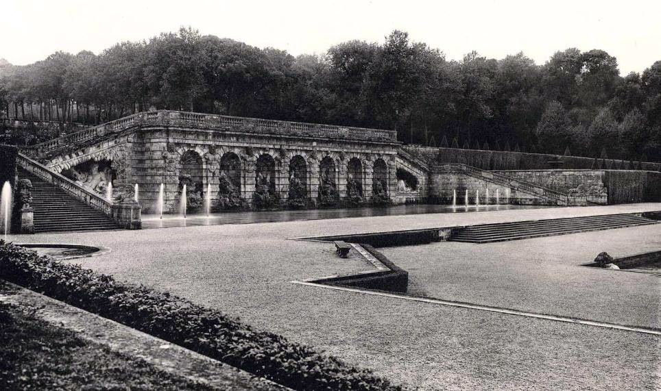 The grotto at Vaux-le-Vicomte, from Jardins de France by P. Pean, volumes 1 and 2, 1925.